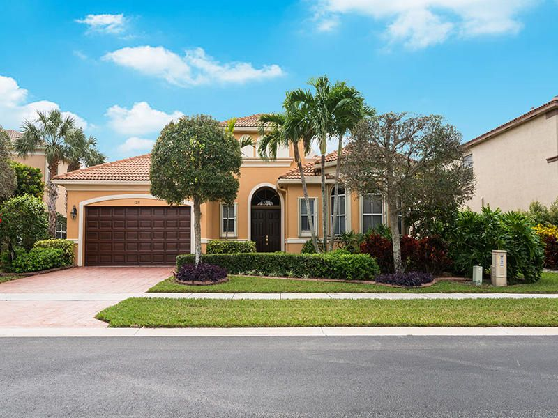 1231 Canyon Way  Wellington, FL 33414