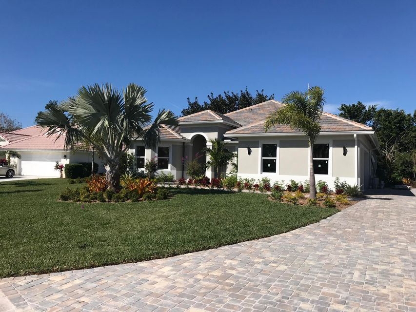 Single Family Home for Sale at 1555 SW Mockingbird Circle 1555 SW Mockingbird Circle Port St. Lucie, Florida 34986 United States