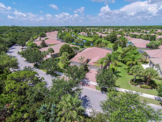 5047 Magnolia Bay Circle , Palm Beach Gardens FL 33418 is listed for sale as MLS Listing RX-10404456 49 photos