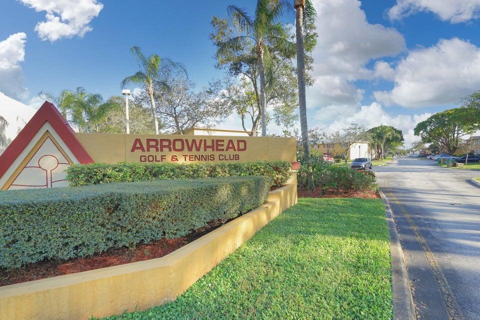 联栋屋 为 销售 在 1849 SW 81 Way 1849 SW 81 Way 戴维, 佛罗里达州 33324 美国