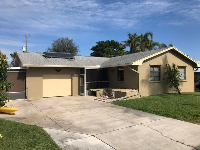 Single Family Home for Sale at 5105 SE Orange Street 5105 SE Orange Street Stuart, Florida 34997 United States