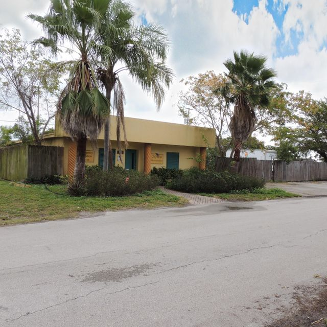 Commercial for Sale at 3328 NE 11th Avenue 3328 NE 11th Avenue Oakland Park, Florida 33334 United States