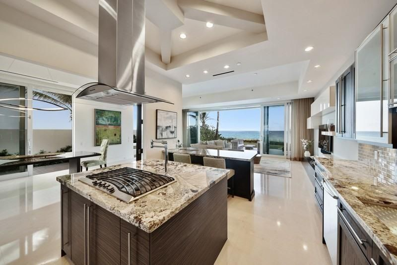 4211 S Ocean Boulevard 1, Highland Beach FL 33487 is listed for sale as MLS Listing RX-10404549 photo #5