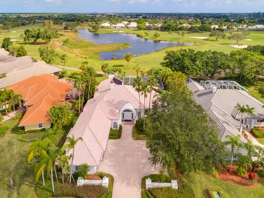 219 Thornton Drive , Palm Beach Gardens FL 33418 is listed for sale as MLS Listing RX-10400305 42 photos