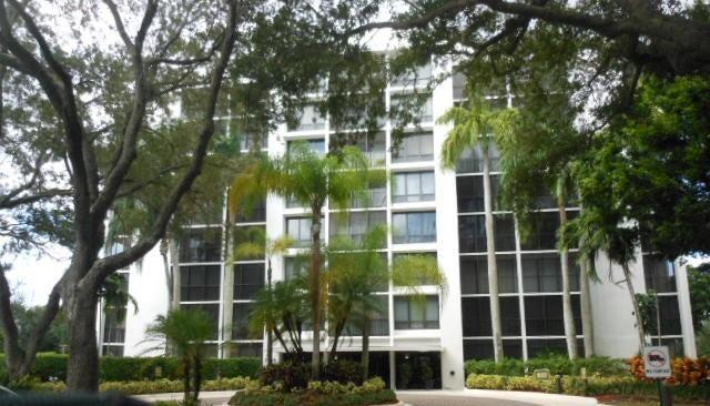 共管式独立产权公寓 为 销售 在 7835 Lakeside Boulevard # 986 7835 Lakeside Boulevard # 986 博卡拉顿, 佛罗里达州 33434 美国