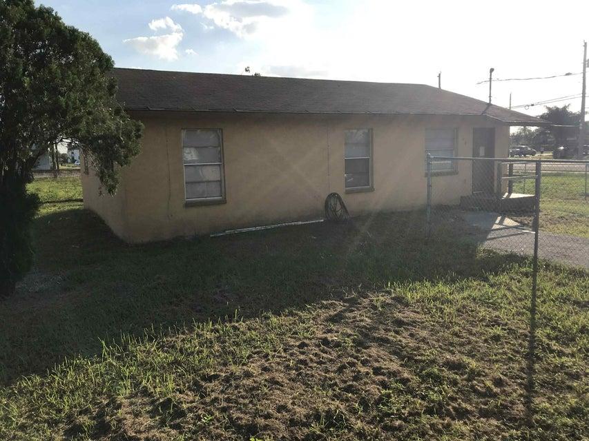 Casa Unifamiliar por un Venta en 162 Booker Place 162 Booker Place Pahokee, Florida 33476 Estados Unidos
