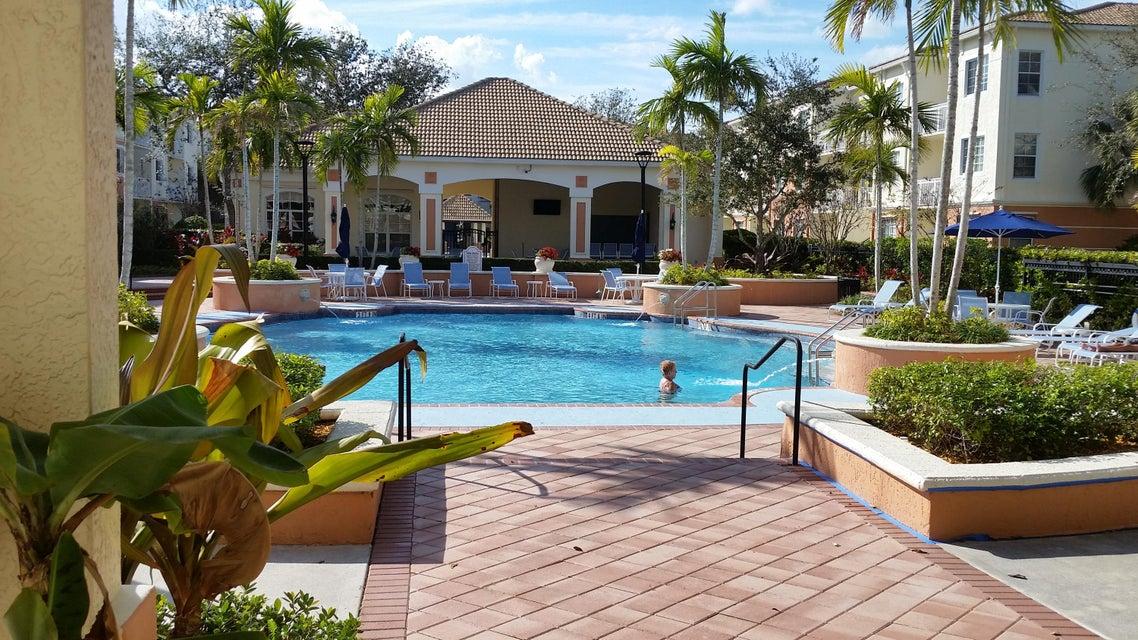 共管式独立产权公寓 为 出租 在 9825 Baywinds Drive # 1107 9825 Baywinds Drive # 1107 West Palm Beach, Florida 33411 United States