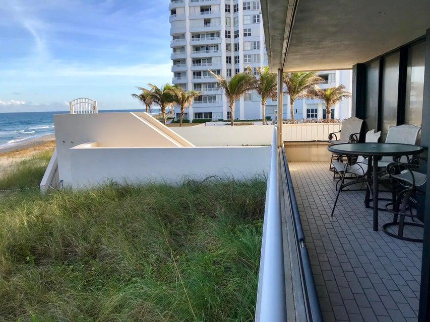 共管式独立产权公寓 为 销售 在 5250 N Ocean Drive # 3 S 5250 N Ocean Drive # 3 S 辛格岛, 佛罗里达州 33404 美国