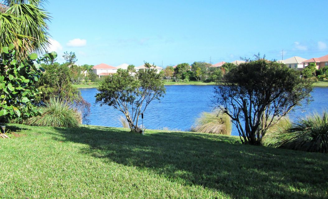 7835 SE Heritage Boulevard  Hobe Sound FL 33455