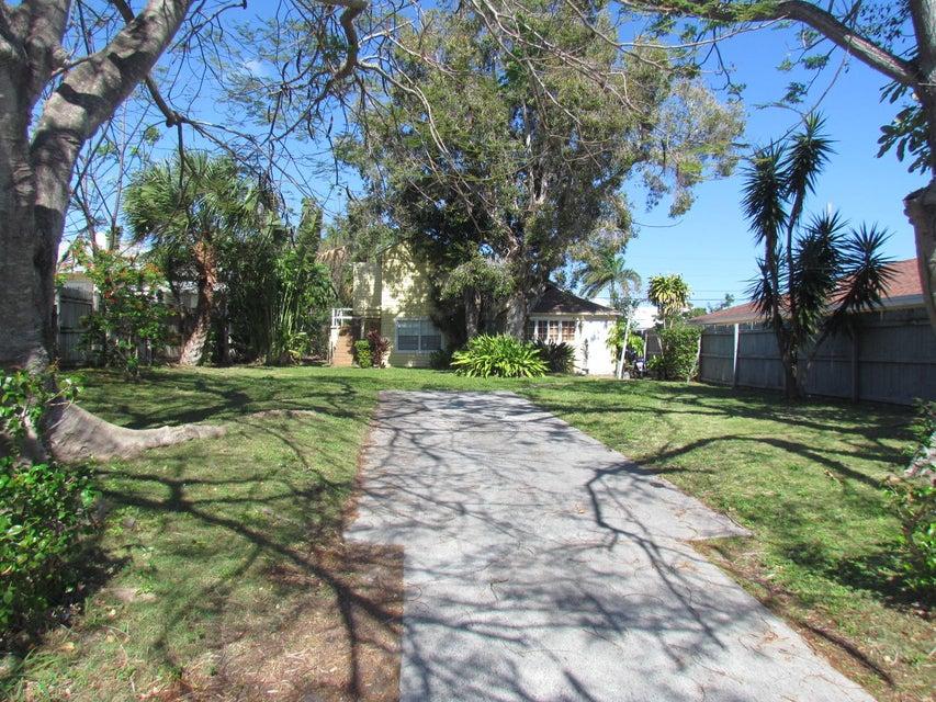 839 Hansen Street  West Palm Beach, FL 33405