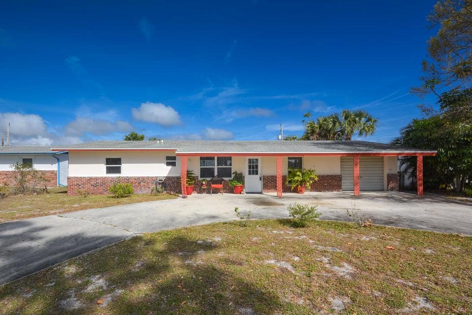Single Family Home for Sale at 1447 NE Cedar Street 1447 NE Cedar Street Jensen Beach, Florida 34957 United States