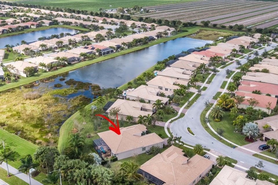 10504 Whitewind Circle  Boynton Beach FL 33473