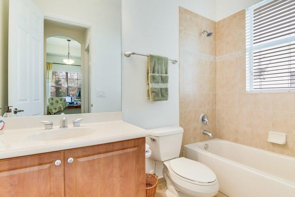 8216 Butler Greenwood Drive Royal Palm Beach, FL 33411 small photo 22