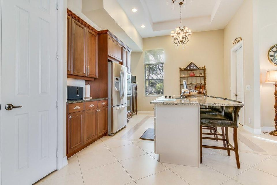 8216 Butler Greenwood Drive Royal Palm Beach, FL 33411 photo 3