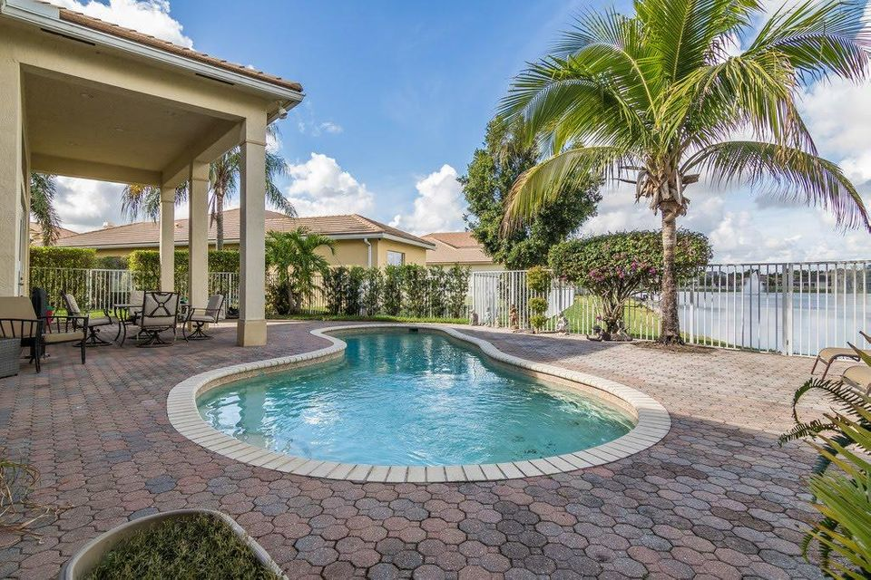 8216 Butler Greenwood Drive Royal Palm Beach, FL 33411 photo 14