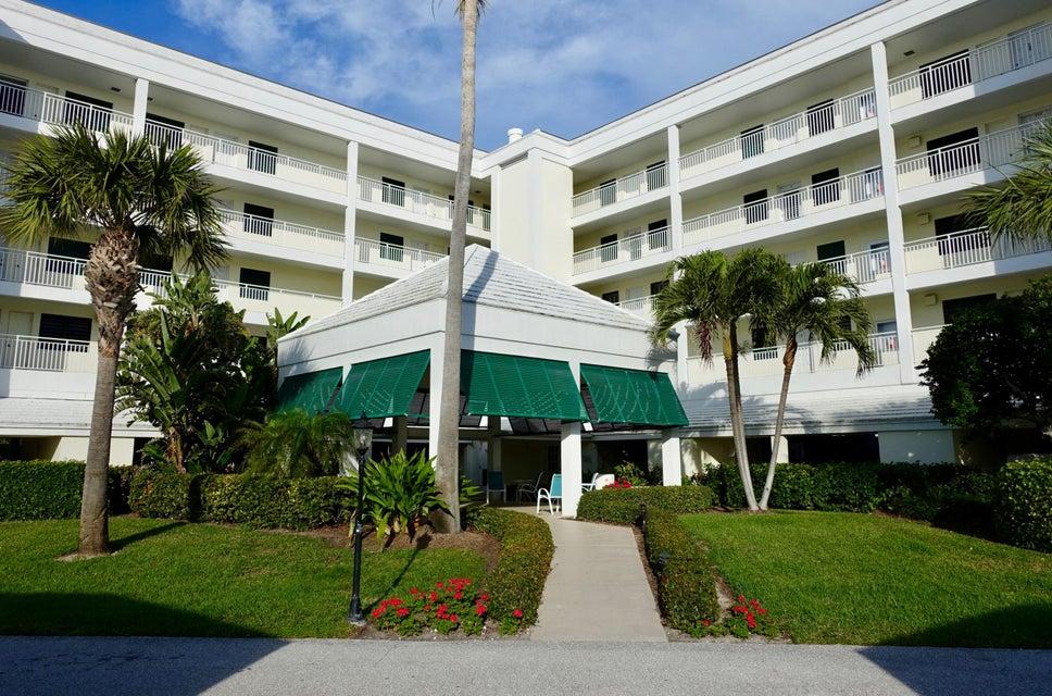 Condominium for Sale at 529 NE Plantation Road # 408 529 NE Plantation Road # 408 Stuart, Florida 34996 United States