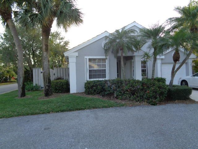 63 Admirals Court , Palm Beach Gardens FL 33418 is listed for sale as MLS Listing RX-10404893 14 photos