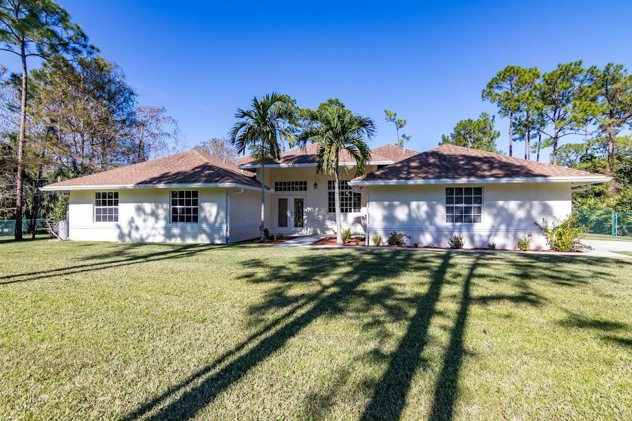 独户住宅 为 销售 在 16317 E Hialeah Drive 16317 E Hialeah Drive 克萨哈奇, 佛罗里达州 33470 美国