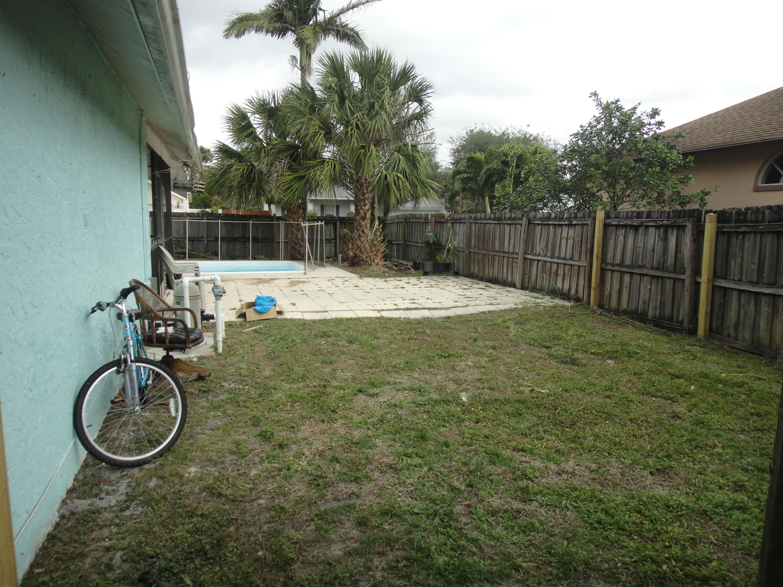 133 W Royal Pine Circle Royal Palm Beach, FL 33411 photo 12