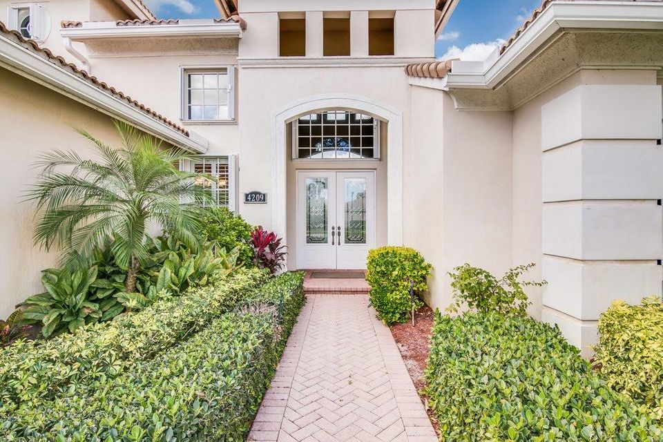 4209 Wellington Shores Drive Wellington, FL 33449 photo 2