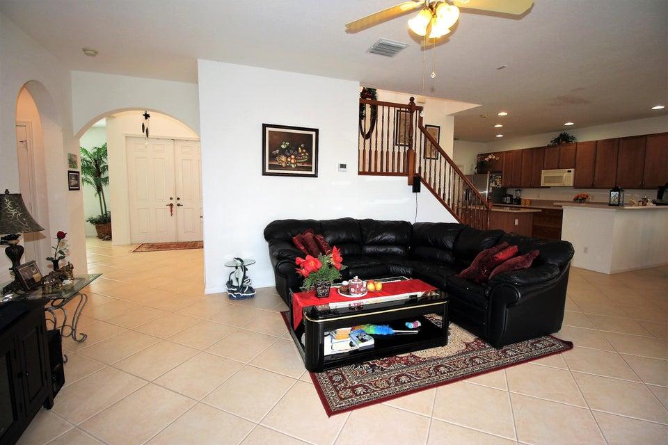 114 Ibisca Terrace Royal Palm Beach, FL 33411 photo 12