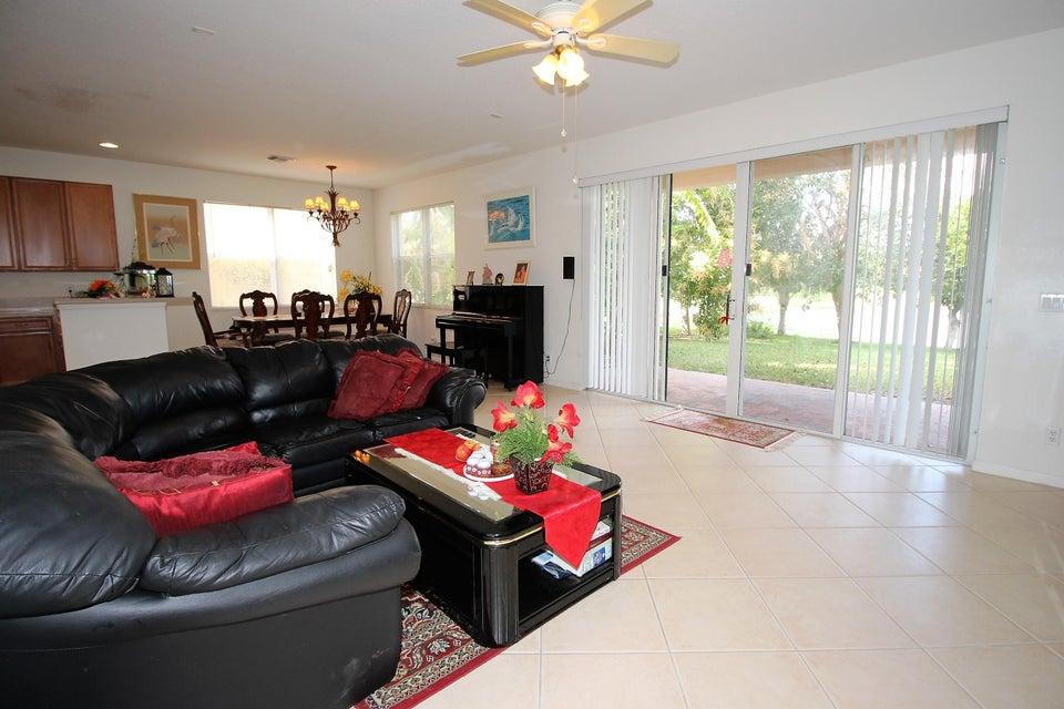 114 Ibisca Terrace Royal Palm Beach, FL 33411 photo 14