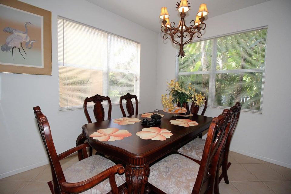 114 Ibisca Terrace Royal Palm Beach, FL 33411 photo 8