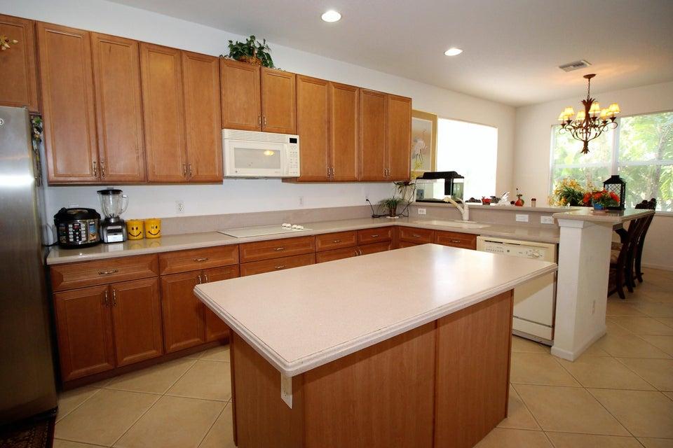 114 Ibisca Terrace Royal Palm Beach, FL 33411 photo 6