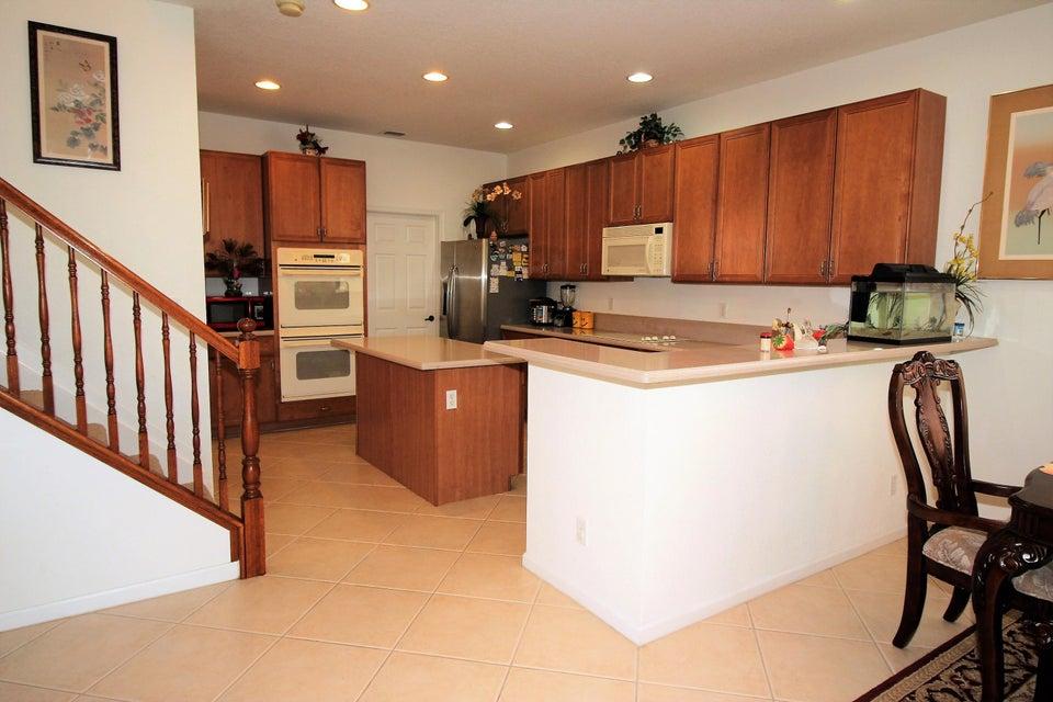 114 Ibisca Terrace Royal Palm Beach, FL 33411 photo 9