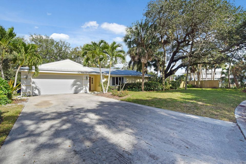 Single Family Home for Sale at 24 Fieldway Drive 24 Fieldway Drive Stuart, Florida 34996 United States