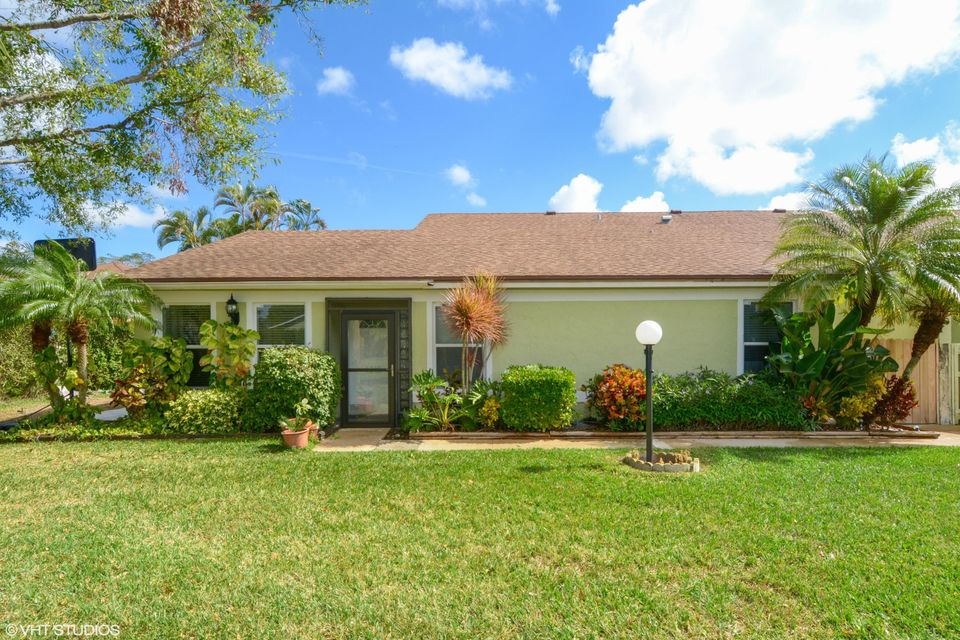 4315 Willow Brook Circle  West Palm Beach, FL 33417