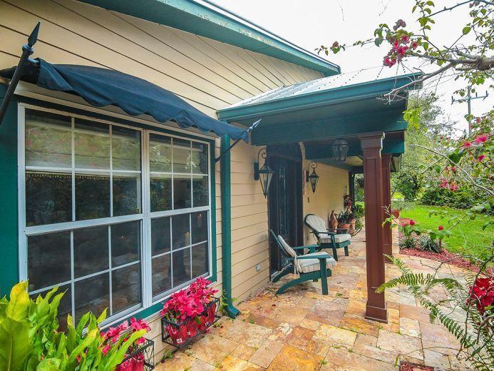 Single Family Home for Sale at 228 SE Oriole Avenue 228 SE Oriole Avenue Stuart, Florida 34996 United States