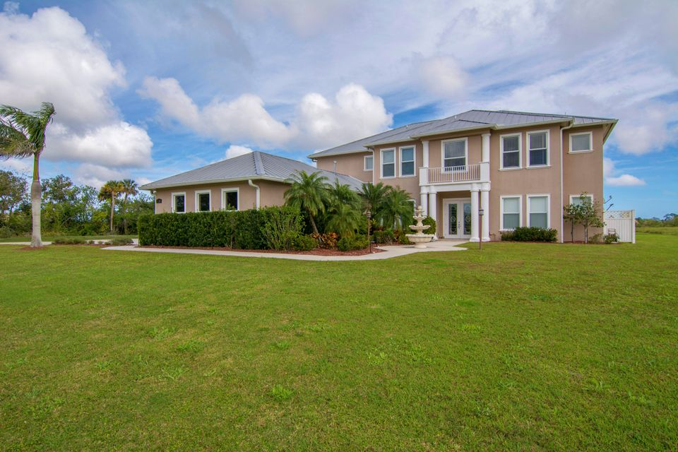 Single Family Home for Sale at 3130 Seminole Road 3130 Seminole Road Fort Pierce, Florida 34951 United States