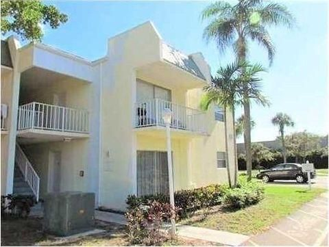 New Home for sale at 425 Executive Center Drive in West Palm Beach