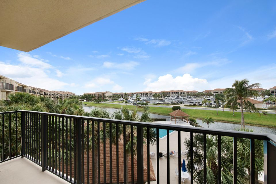 601 Seafarer Circle 401 , Jupiter FL 33477 is listed for sale as MLS Listing RX-10409328 24 photos