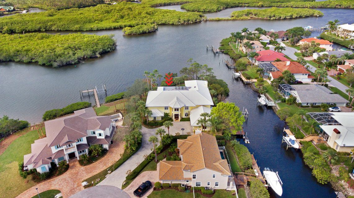 Single Family Home for Sale at 8818 SE Riverfront Terrace 8818 SE Riverfront Terrace Tequesta, Florida 33469 United States