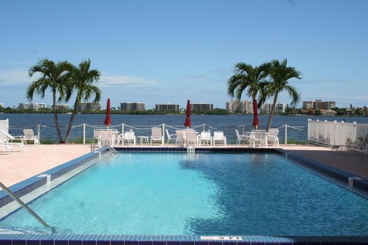 1502 S Lakeside Drive 205 Lake Worth, FL 33460 photo 2