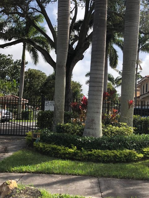 Townhouse for Sale at 723 SW 6th Street # 6 723 SW 6th Street # 6 Hallandale Beach, Florida 33009 United States