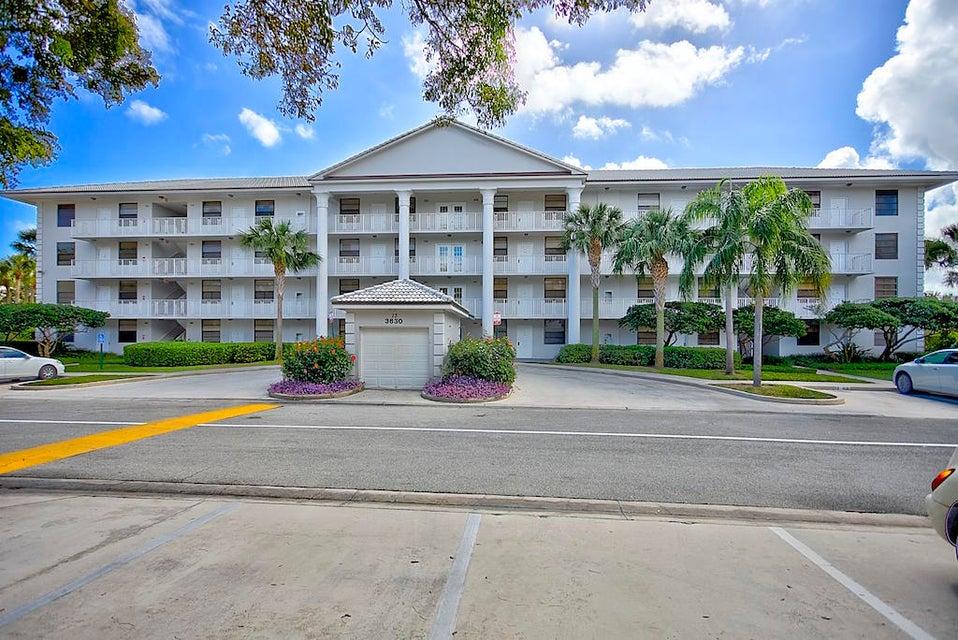 3630 Whitehall Drive 302  West Palm Beach, FL 33409