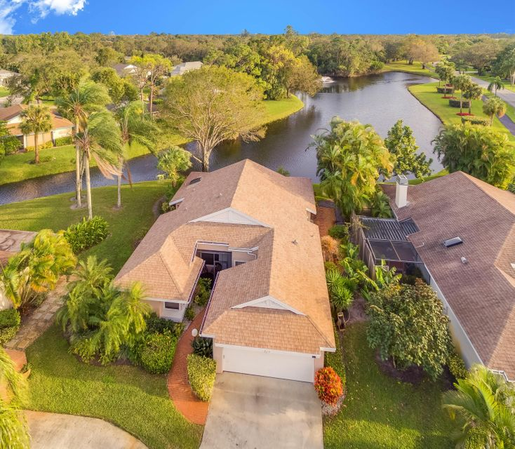 EASTPOINTE COUNTRY CLUB 7A home 13130 Bonnette Drive Palm Beach Gardens FL 33418