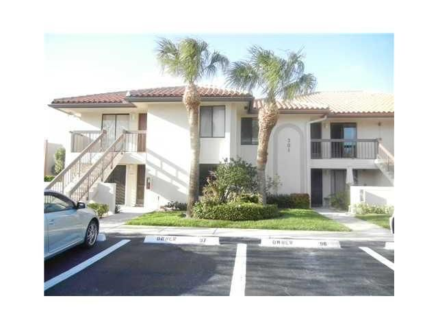 Condominium for Rent at 301 Club Circle # 101 301 Club Circle # 101 Boca Raton, Florida 33487 United States