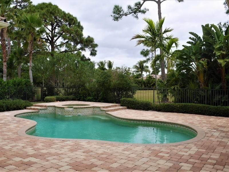 Additional photo for property listing at 307 SW Harbor View Drive 307 SW Harbor View Drive Palm City, Florida 34990 United States