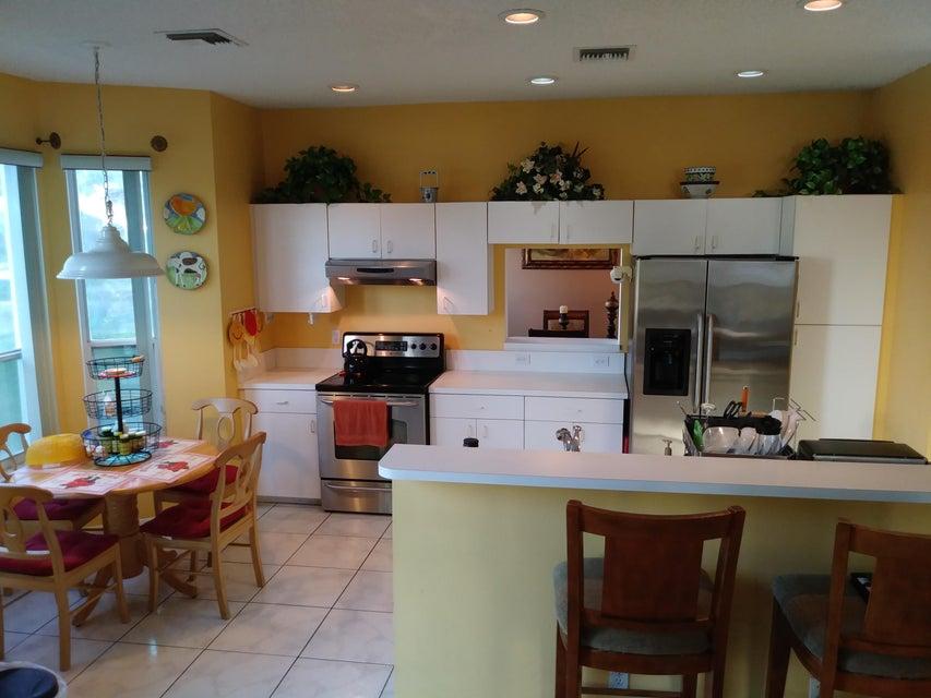118 Rosewood Lane Greenacres, FL 33463 photo 5