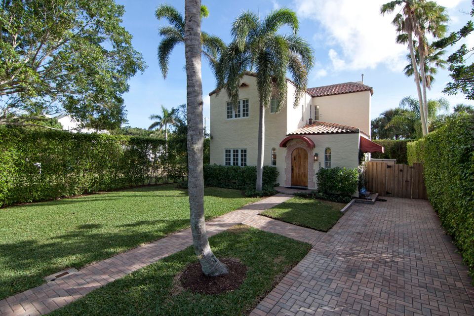 252 E Lakewood Road  West Palm Beach FL 33405