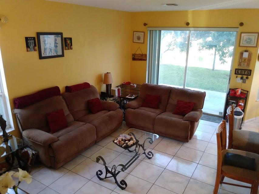 118 Rosewood Lane Greenacres, FL 33463 photo 8