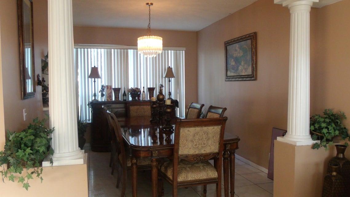 118 Rosewood Lane Greenacres, FL 33463 photo 4
