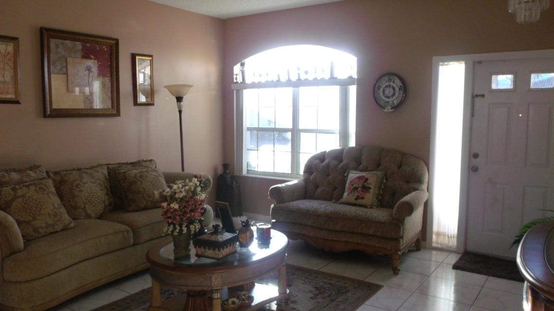 118 Rosewood Lane Greenacres, FL 33463 photo 2