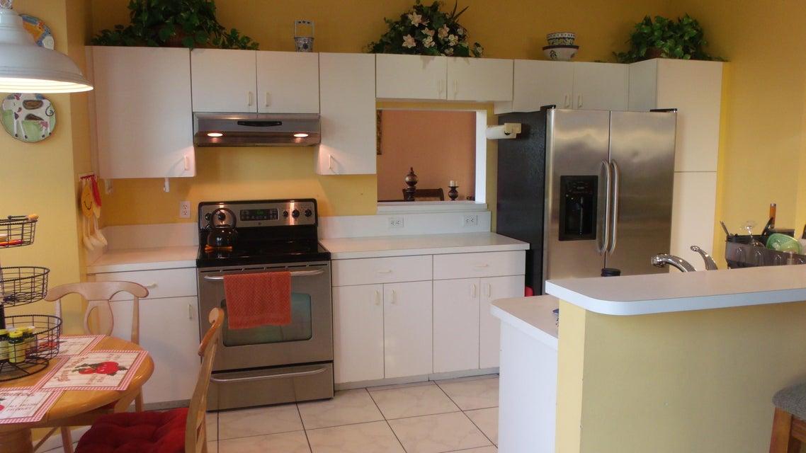 118 Rosewood Lane Greenacres, FL 33463 photo 6