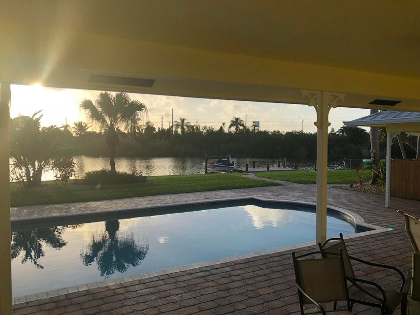 Single Family Home for Sale at 3815 S Lake Drive 3815 S Lake Drive Boynton Beach, Florida 33435 United States