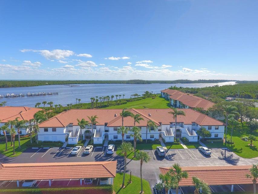 Condominio por un Venta en 6102 SE Landing Way # 13 6102 SE Landing Way # 13 Stuart, Florida 34997 Estados Unidos
